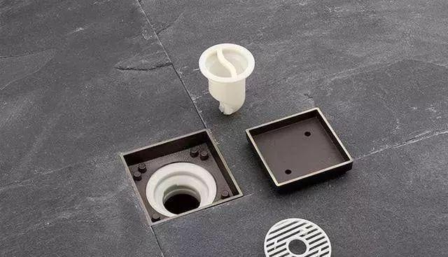 卫生间安装地漏,旁边瓷砖一定要这样贴,下水速度快!