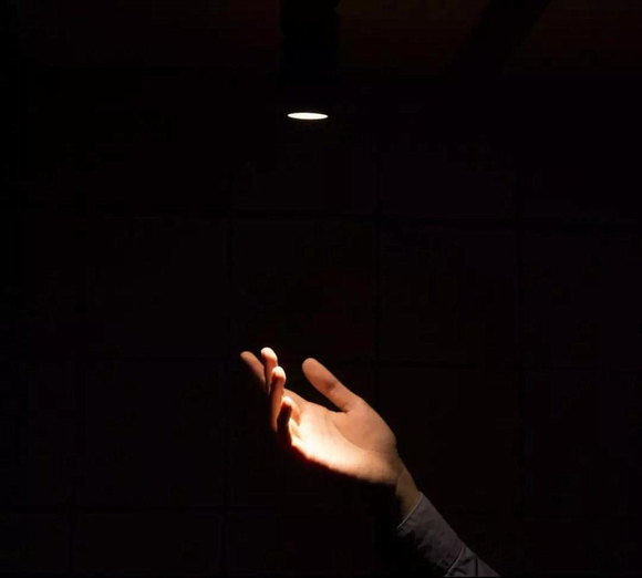 家庭装LED吸顶灯怎样辨别质量?-家装保姆-罗小红成都家装设计团队