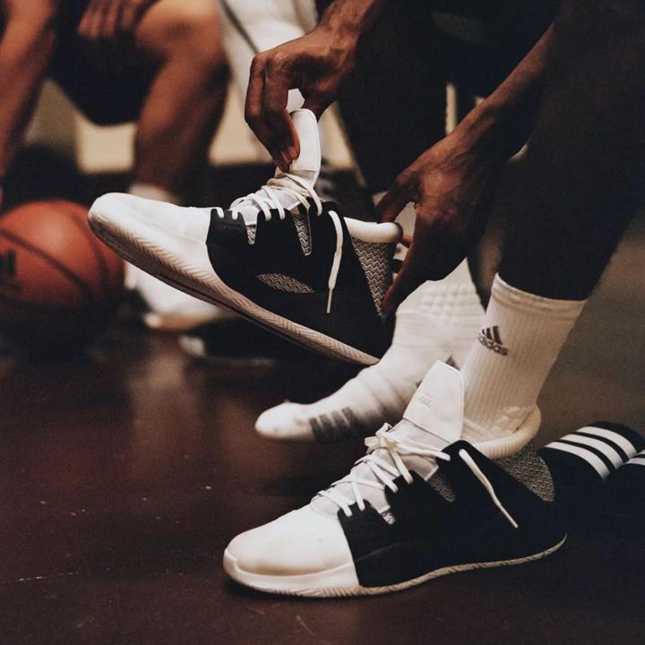 阿迪达斯莆田椰子400,adidasN3XTL3V3L推出全新篮球鞋